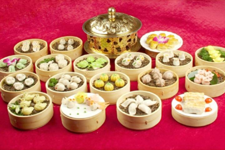 Banquet de raviolis et spectacle des Tang