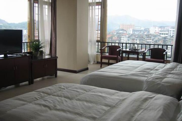 Sanjiang River View Hotel